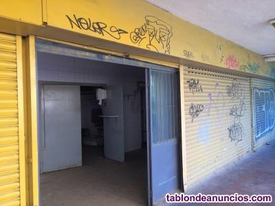 Local comercial en Calle Doctor Pi i Molist en el distrito de Nou Barris