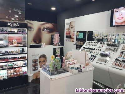Se traspasa local de cosmetica y perfumeria