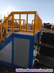 Estructura de hierro con escaleras