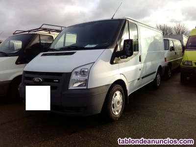 Magnifica ford transit