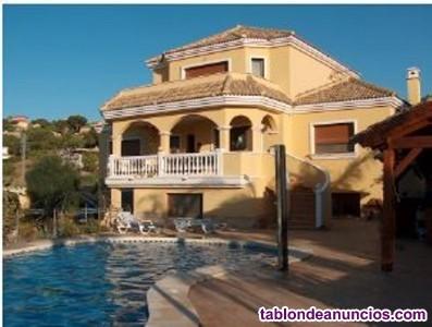 En venta espectacular villa construida con los mej