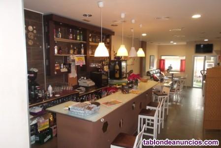 2172-V  Se vende restaurante-cafetería en el centr