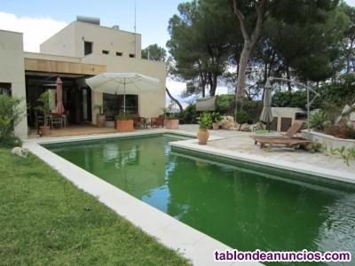 1442-V En venta una villa espectacular y de estilo