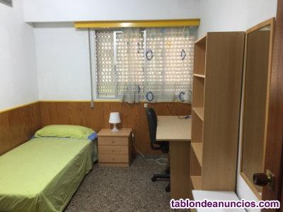 Alquilo habitacion individual para chicas