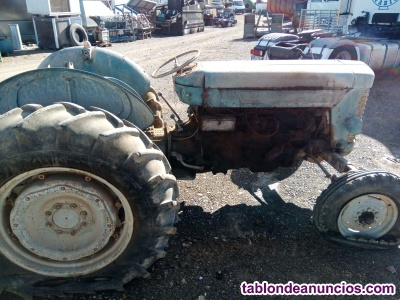 Tractor Massey Ferguson de gomas