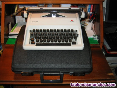 Máquina de Escribir OLYMPIA (portátil)