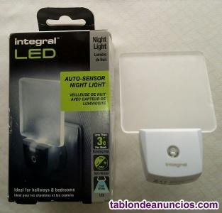 Luz integral led de luz nocturna automática (conector euro de 2 clavijas)