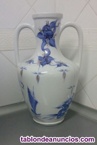 ánfora cerámica blanca, pintada a mano
