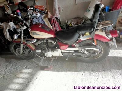 MOTO BONITA Y EN BUENAS CONDICIONES