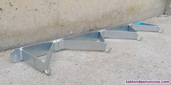 Colgador reforzado 80cm 4 ganchos