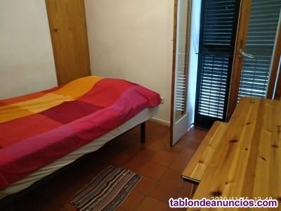 Alquilo habitación a chica en Ciutadella de Menorca.