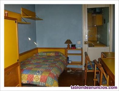 Alquilo habitación en barcelona (con gaastos incluidos)