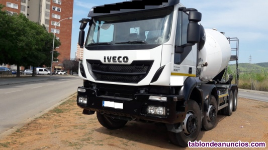 Venta camion hormigonera 4 ejes 71.000 km. Cuba gicalla 10m3