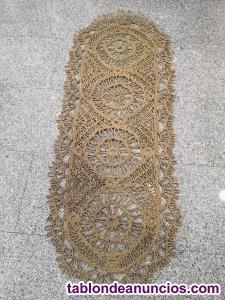 Alfombra artesanal. Medidas 1,65x65cm.