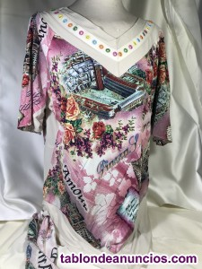 Camisetas, vestidos, trajes de chaqueta, faldas en stock. Partidas de ropa.