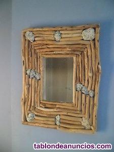 Espejo rústico de madera artesanal