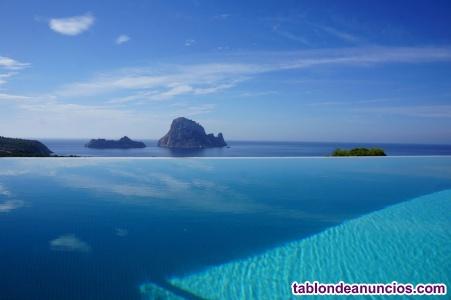 Espectacular vista a la casa es vedra con piscina