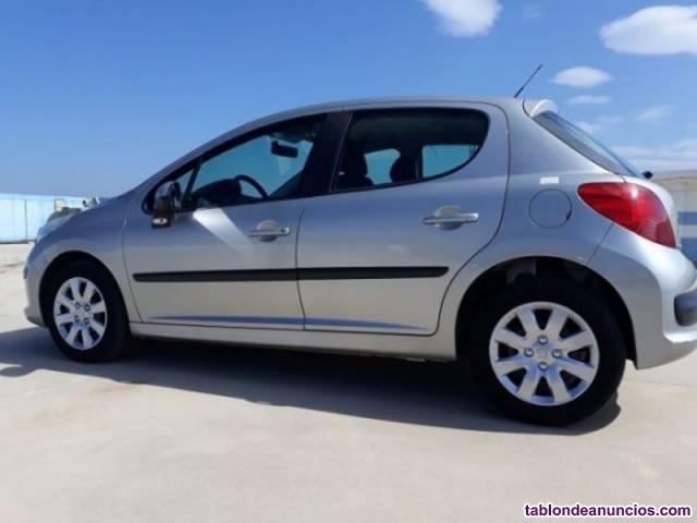 Peugeot 207 1.4i confort 75