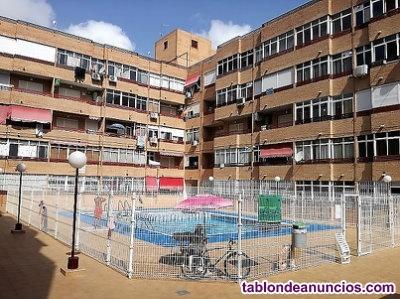 Apartamento con piscina y garaje Torrevieja
