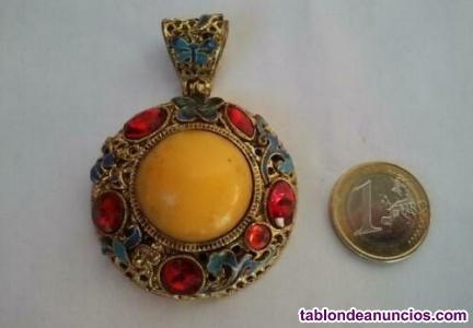 Colgante medallon tibetano de cloisonne. Pendiente, collar, tibet, buda, zen