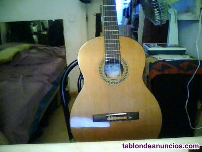 Vendo guitarra española artesanal.