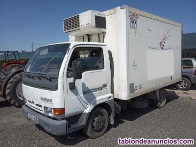 Nissan cabstar 110 caja frigorifico.