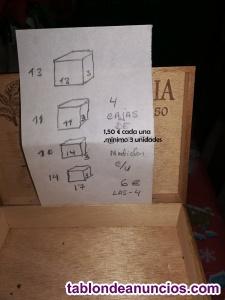 Varias cajas de madera de distintos tamaños