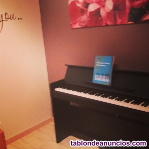 Piano sin estrenar, con garantía
