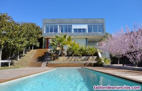 Villa con piscina privada sitges