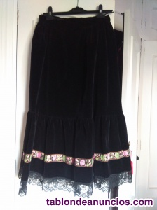 Falda de terciopelo negra para traje de gala de gallega
