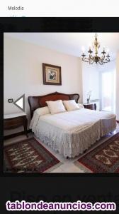 Tresillo, dos butacas y tres dormitorios en perfecto estado