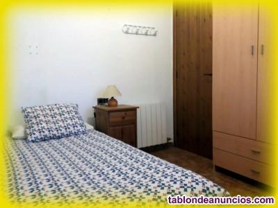 Alquilo habitación en Vacarisses en casa frente macizo Montserrat