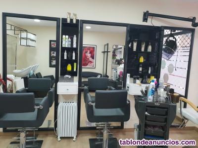 Se vende peluquería / estetica