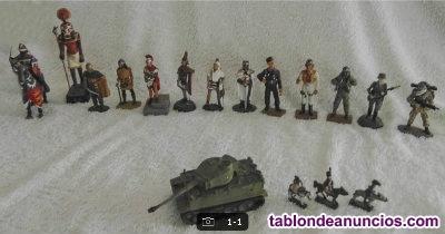 Vendo soldados de plomo y carro de combate.