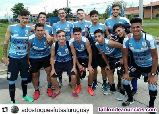 Busco equipo de fútbol 11 , seleccionado internacional sub-18 futsal con Uruguay