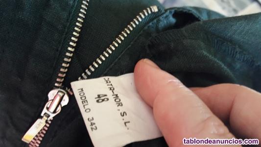 Vestido color caqui con capucha talla 48