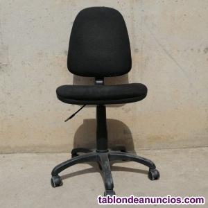 Silla oficina color negro