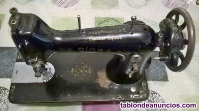 Máquina de coser Antigua Marca SIGMA.