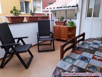 Piso con 3 dormitorios y terraza semi cubierta