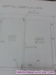 Doble puerta metálica acristalada