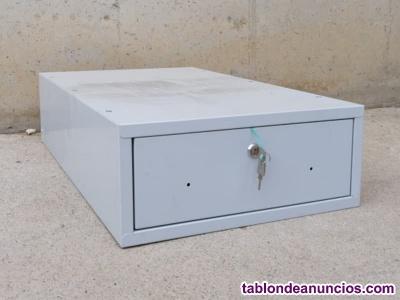Cajón metálico con llave 45x67cm