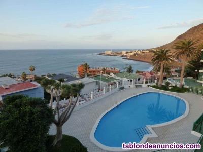 Se alquila piso con piscina y terraza. Bajamar. Ha2104