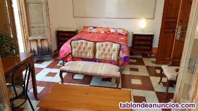Se alquila habitacion amueblada bonita