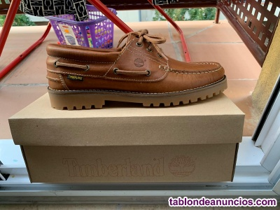 Zapatos timberland en mano sin estrenar