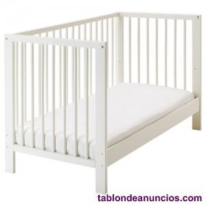 Cama bébé, altura reglable, con colchón