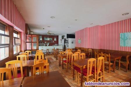 Se vende bar-restaurante en torrevieja