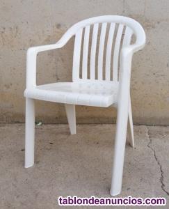 Silla blanca plástico