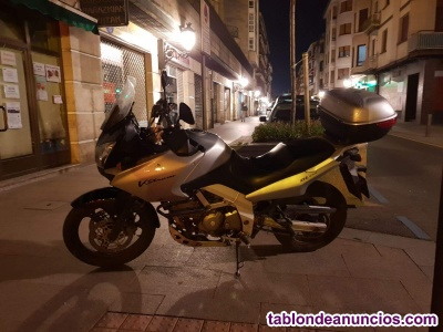 Se Vende Moto Suzuki V-strom 650DL