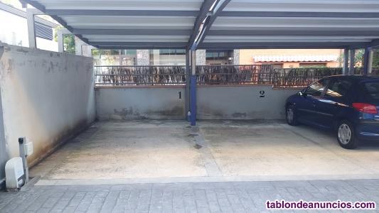 Espacio para moto en garaje situado en C. Dr klein 162 de  cardedeu