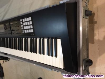 Roland Fa-08 + Flight case + envío